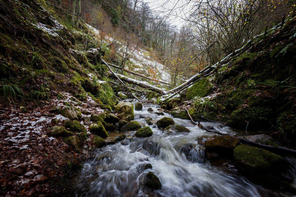 Cascada de Xiblu en los Picos de Europa en Asturias (España)